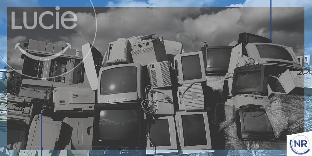 Tas de vieux écrans à la décharge - DEEE - Label NR